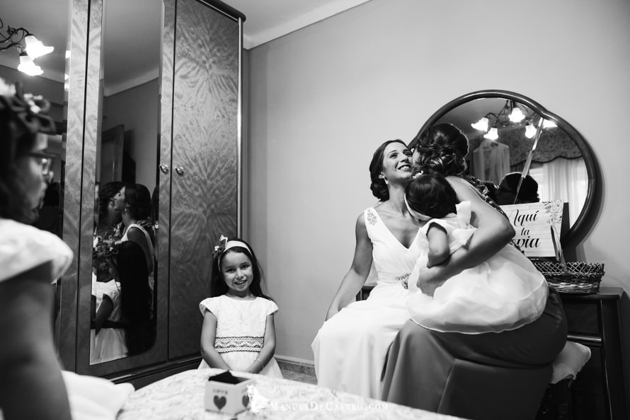1220-S+F-bn-fotógrafo de bodas en puente genil córdoba