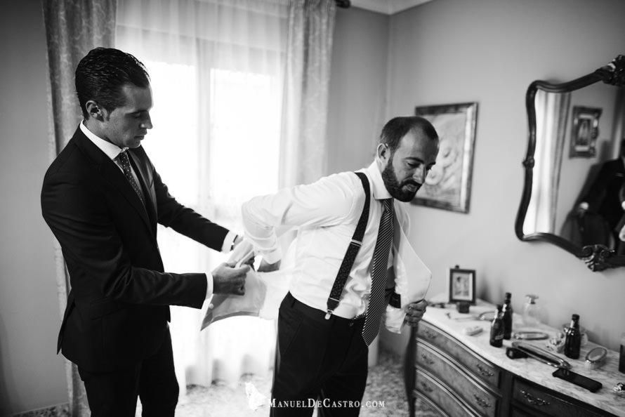 2089-S+F-bn-fotógrafo de bodas en puente genil córdoba